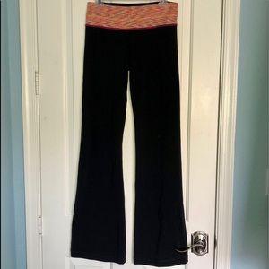 Lululemon space dye/black groove flare legging